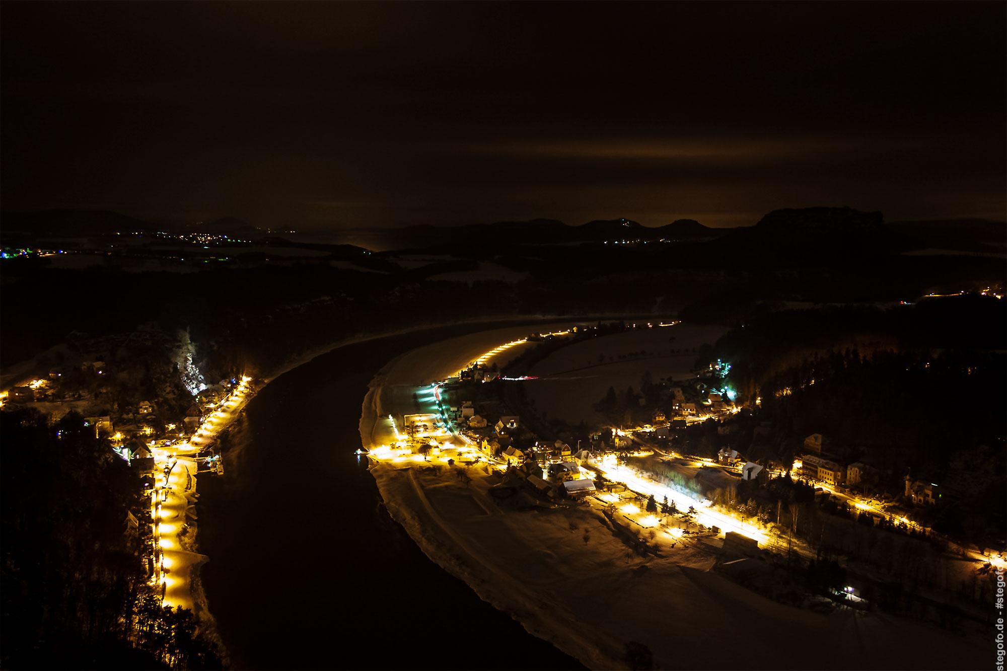 Der Ausblick von der Basteiaussicht bei Nacht